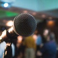L'importance d'un speaker animateur